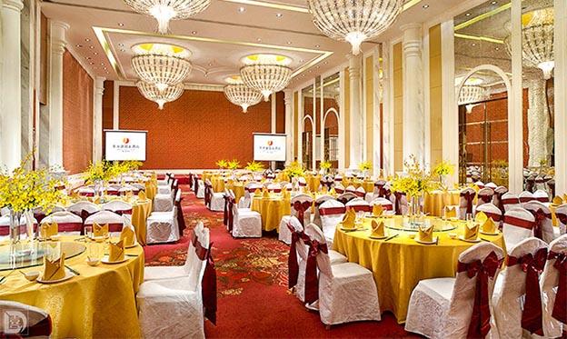 东方建国大酒店参展武汉中国婚博会